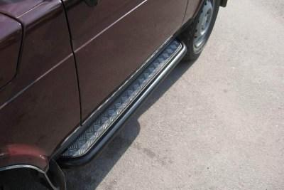 Защита порогов с алюминиевой площадкой на LADA NIVA 4x4 Urban