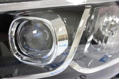 Тюнинг блок-фара с линзами и LED ДХО для Лада Веста
