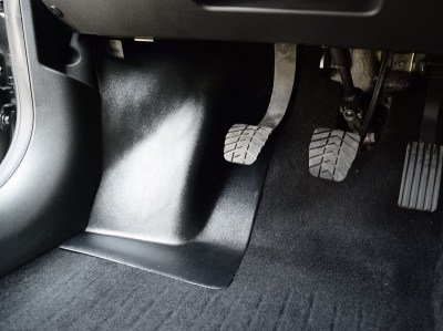 Защитные накладки на ковролин передние для ЛАДА ВЕСТА SW, SW Cross